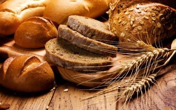 La crosta del pane invecchia le cellule: ecco quanto consumarne