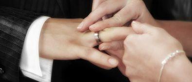 Dimenticano le fedi a casa, i Vigili del Fuoco salvano le nozze