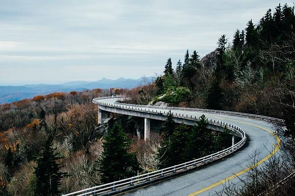 Autostrada, limiti di velocità alzati nelle tratte sicure: la proposta