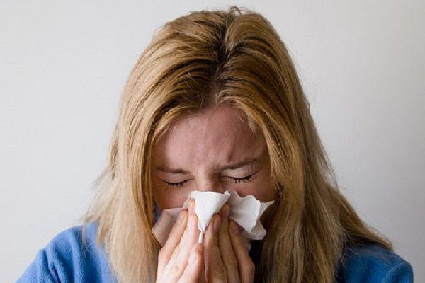 Gli cola il naso per il raffreddore ma era liquido cerebrospinale