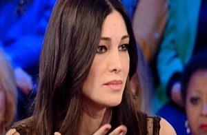 Manuela Arcuri gaffe a Vieni da Me Mi lavo tutti i giorni