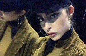 Chi è Paola Camarco, la bella assistente di Vittorio Sgarbi