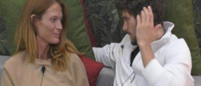 Grande Fratello Vip Jane e Elia la prima notte in hotel