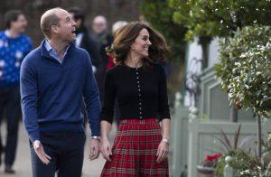 Kate Middleton regina al posto di Camilla e Meghan incinta di due gemelli?