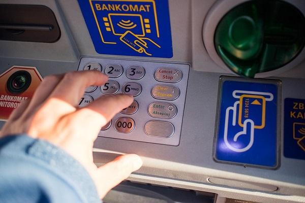 bancomat regala soldi guasto