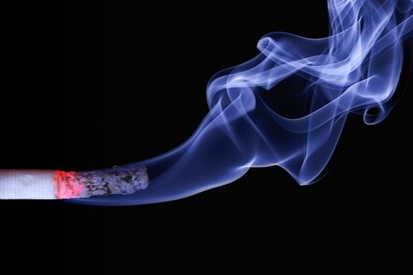 sigaretta incendio milano