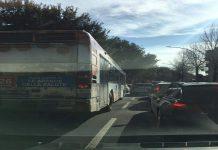 Incidente stradale nei Colli Portuensi, grave un motociclista