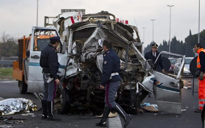 roma incidente grande raccordo anulare