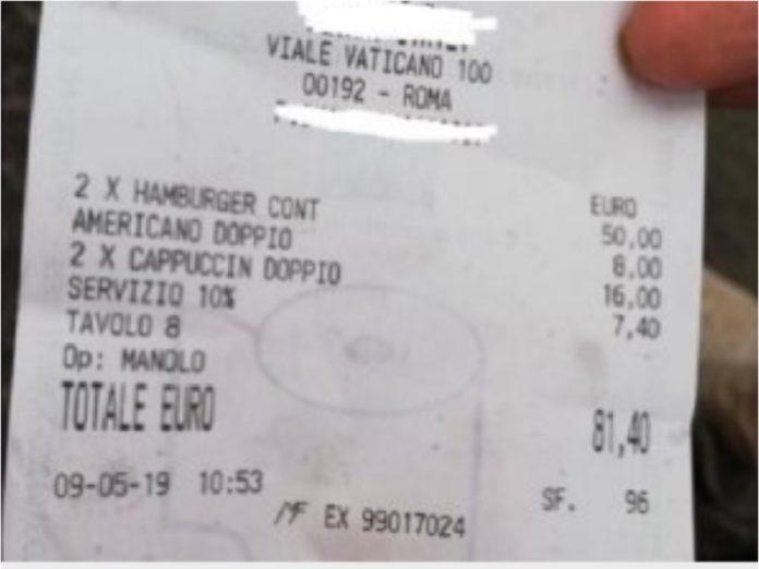 Turisti truffati a Roma, scontrino alle stelle, la foto: 50 euro per due hamburger